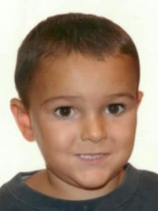 Alerte mondiale: un enfant de cinq ans, atteint d'une tumeur au cerveau, enlevé par ses parents en Grande-Bretagne
