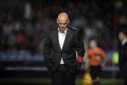 Jupiler Pro League - Dennis van Wijk n'est plus l'entraîneur de Westerlo