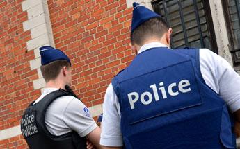 Les agents de police non-armés ont peur: ils ne peuvent plus sortir seuls des commissariats