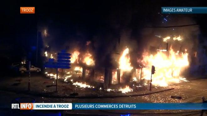 Plusieurs immeubles ravagés par un spectaculaire incendie à Trooz: un homme aperçu en train de s'enfuir dès la première déflagration