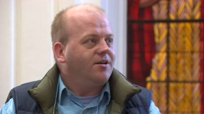 Joël Devillet fait condamner Mgr Léonard pour son silence face à un abbé pédophile: