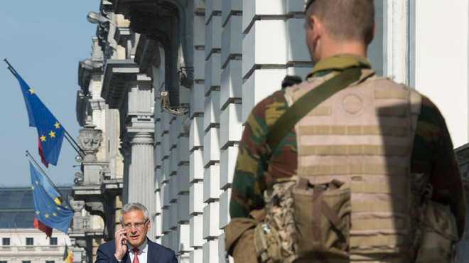Terrorisme: nos militaires resteront un mois supplémentaire dans la rue