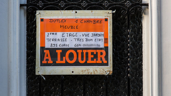 Première en Belgique: un propriétaire condamné parce qu'il exigeait une preuve de CDI et un revenu de minimum 2.000€