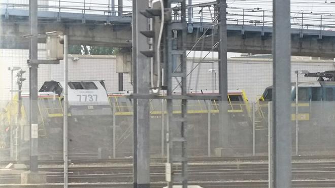 Une machine de manœuvre déraille à la gare de Forest-Midi (photos)
