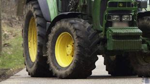 Gouvy: un transporteur de bois meurt écrasé sous son tracteur