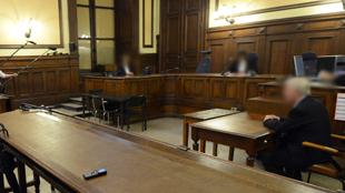 Justice: un Liégeois obligeait des enfants à garder dans leur bouche une chaussette imprégnée d'excréments