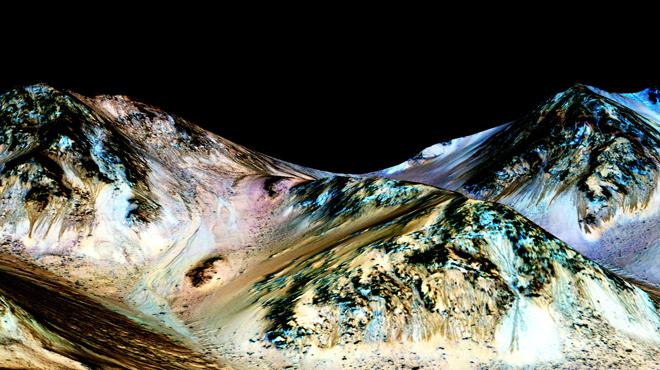 Une vie sur Mars? La Nasa contrariée dans ses recherches par les microbes de son robot