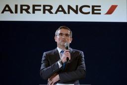 Air France: Hollande dénonce les violences et leur impact sur l'image de la France