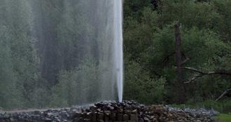 Une touriste belge dans état grave après une chute dans un geyser au Chili: son mari s'est brûlé les bras en la sauvant