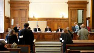 Charleroi: Franz D. jugé pour avoir publié des photos de sa fille nue sur internet