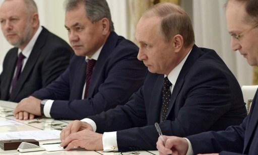 Vers une alliance franco-russe dans la guerre en Syrie? Poutine annonce avoir ordonné à ses navires de coopérer avec la marine française