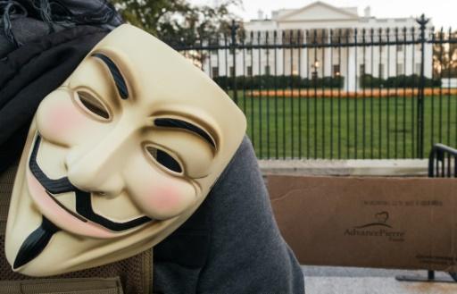 Prison avec sursis pour trois Anonymous jugés pour des attaques informatiques