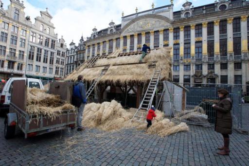 Grand-Place de Bruxelles: trois jeunes vandalisent la crèche et volent le petit Jésus