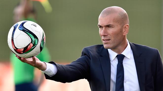 Zidane remplace Rafael Benitez à la tête du Real Madrid