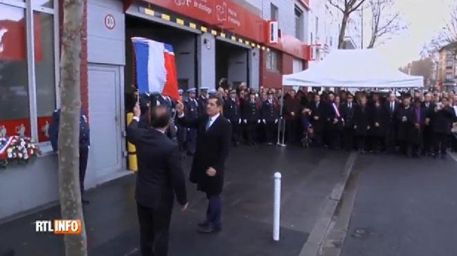 François Hollande rend hommage à la jeune policière tuée par Coulibaly, au lendemain de l'attaque de Charlie Hebdo