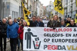Partisans et détracteurs de Pegida manifestent dans les rues d'Anvers