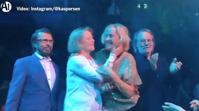 Les quatre membres d'ABBA se sont réunis à Stockholm le temps d'une soirée (photos+vidéo)