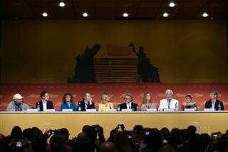 Bulles de Cannes - un dîner Mad max pour le jury, Charlize Theron chez Monsieur Dior