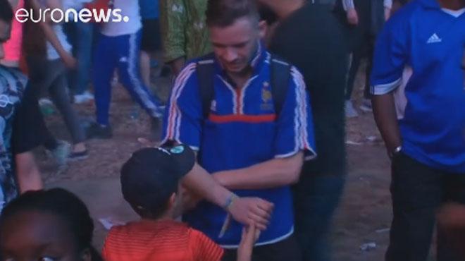Euro 2016: le supporter français consolé par le petit Mathis invité à visiter le Portugal