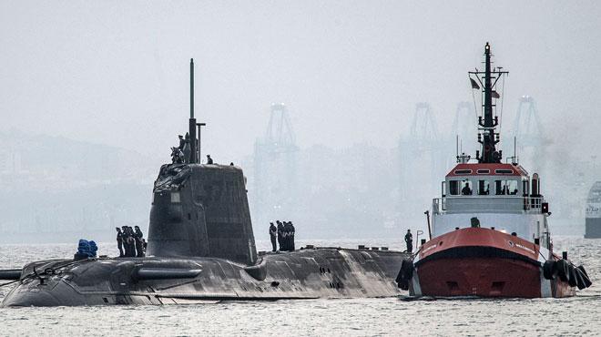 Un sous-marin nucléaire britannique entre en collision avec un cargo au large de Gibraltar