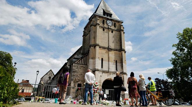Nouvelle vidéo d'Abdel Malik Petitjean, 3 personnes en garde à vue: où en est l'enquête sur l'attaque de l'église en France?