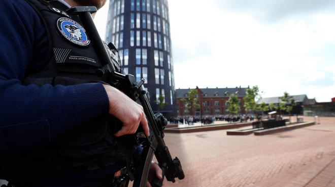 Agression de deux policières à Charleroi: l'ambassade d'Algérie n'a pas reçu d'ordre de quitter le territoire pour le terroriste
