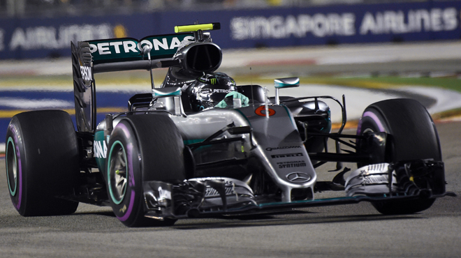 gp de singapour rosberg vainqueur au bout du suspense rtl sport. Black Bedroom Furniture Sets. Home Design Ideas