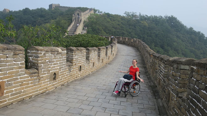 Handicapée depuis 4 ans, Blandine ne lâche rien et part seule faire le tour du monde: