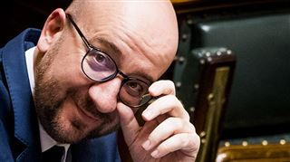 ING a distribué 7,2 milliards de dividendes en 10 ans- l'opposition dénonce les CADEAUX FISCAUX offerts à ING alors que le trou de la sécu se creuse