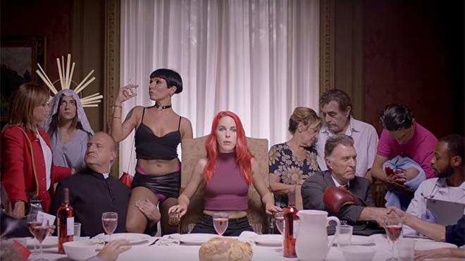 La pub choc du salon rotique de barcelone cr la - Salon erotique belgique ...