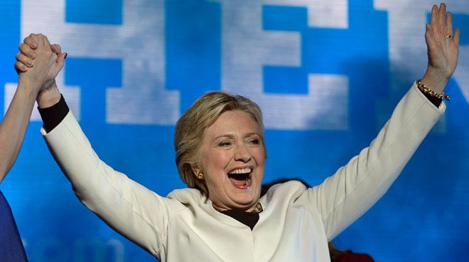 À 48h des élections, le FBI décide de ne pas poursuivre Clinton pour l'affaire des emails: la candidate peut souffler