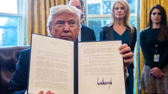 Donald Trump fait un geste fort pour sa promesse de mur avec le Mexique