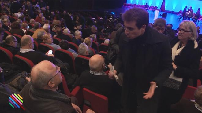 Un supporter de François Fillon compare les journalistes aux nazis d'Auschwitz: