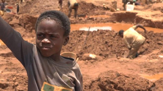 Vos batteries ne sont pas chères: dites merci à ces enfants de République Démocratique du Congo