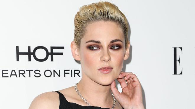 Changement de look RADICAL pour Kristen Stewart: voici sa coupe de cheveux buzz (photos)