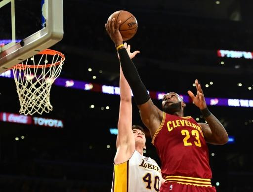 NBA: San Antonio et Cleveland repartent de l'avant