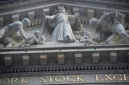 Wall Street se redresse un peu mais reste timide