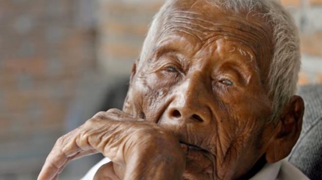 L homme le plus vieux du monde est mort tait il - L homme qui lit le plus vite au monde ...