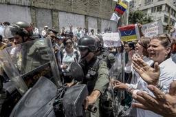 Venezuela: 2.600 soldats dans l'ouest du pays après des pillages et attaques