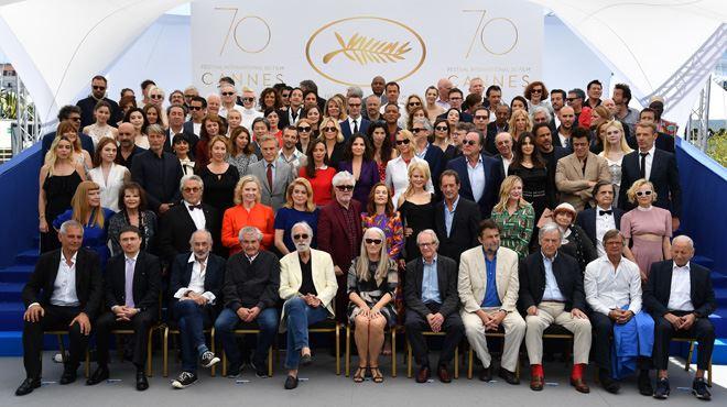 Photo de famille HISTORIQUE à Cannes- 113 stars réunies pour le 70e anniversaire du Festival
