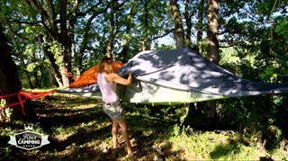Patrick va-t-il séduire ses campeurs avec un TOUT NOUVEAU concept de tente suspendue? J'ai jamais vu ça de ma vie!
