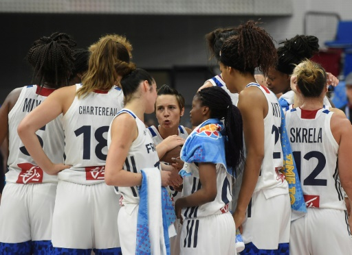 Basket: les Françaises filent en quarts de l'Euro