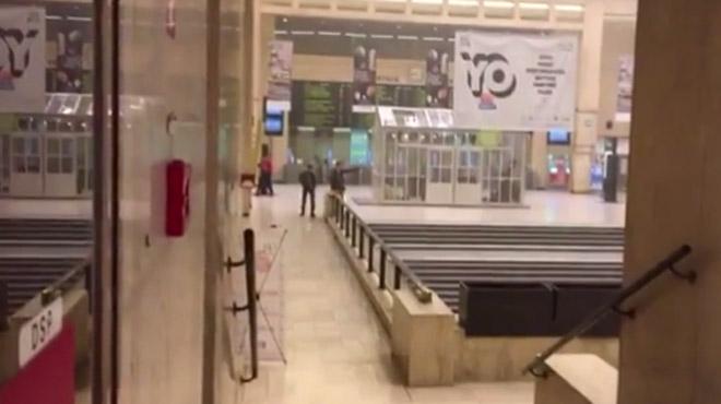 Attentat manqué à Bruxelles: des images à l'intérieur de la gare centrale au moment de la 2e explosion