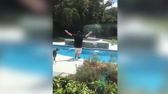 La réaction hilarante d'un papa qui apprend que sa femme est enceinte d'une cinquième fille (vidéo)