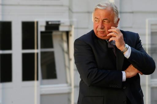 Larcher: L'Etat doit cesser de considérer les élus locaux