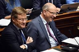 Johan Van Overtveldt (N-VA) veut relever à 1.200 € le plafond de l'épargne-pension