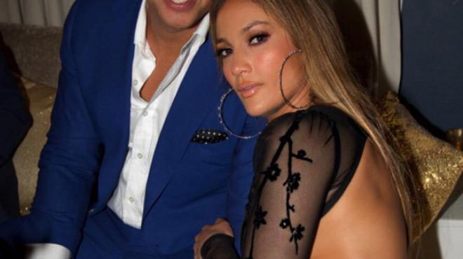 Transparence et tablettes de chocolat, J-Lo fête ses… 48 ans... OUI, vous avez bien lu (photos)