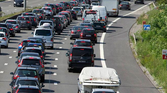 Gros embouteillages sur la E411 vers le Luxembourg à hauteur de Hamipré suite à un accident: