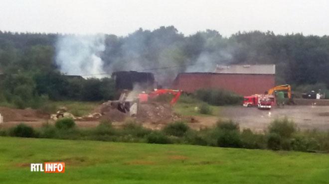 Un bâtiment de Durbuy Aventure complètement sinistré par un incendie