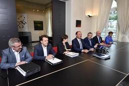 Six ministres du nouveau gouvernement wallon ont omis de déclarer des mandats